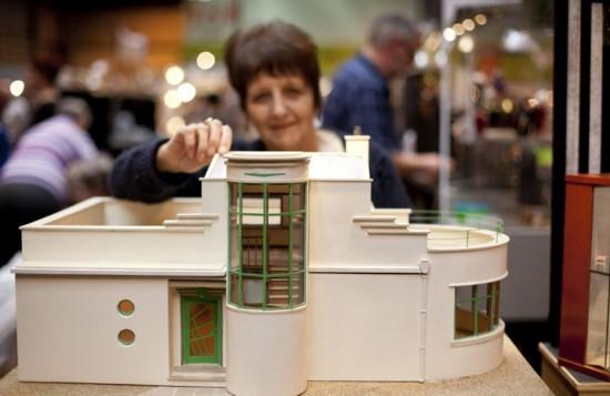 英微型工艺品展览会打造迷你世界