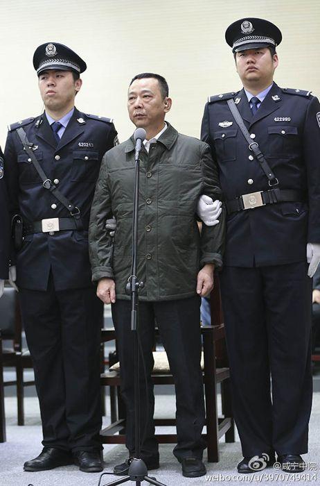 组图:刘汉等36人特大涉黑犯罪集团受审现场