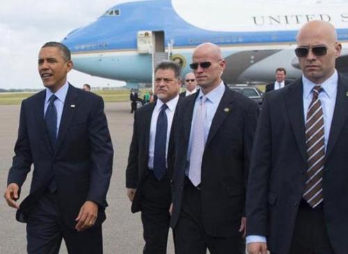 奥巴马保镖醉酒细节:吹嘘曾为总统抓住子弹