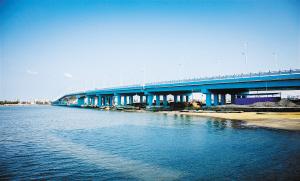 海口新东大桥昨日通车 连接东海岸城市干道