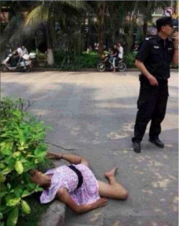 网传云南景洪一女子当街被奸杀 警方辟谣系昏倒