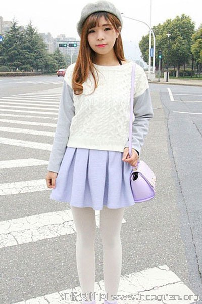 毛衣搭配小短裙 阳春三月正好穿