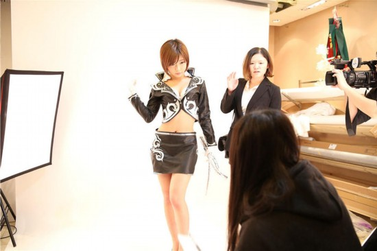 日本90后人气女优来华工作写真