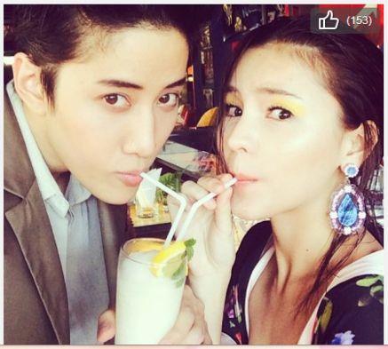 版 浪漫满屋 Mike与Aom超粉红新广告 贴脸甜笑互喂冰淇淋 图图片