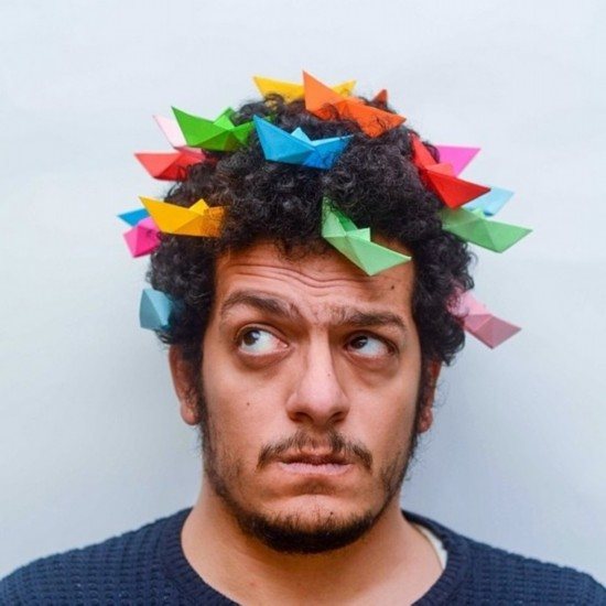 埃及摄影师怪异发型自拍照令人捧腹