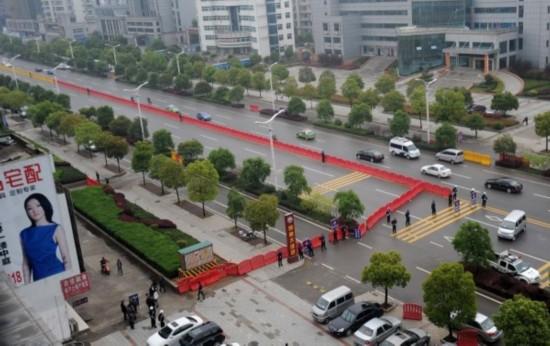 七名副省级高官现场观摩刘汉等36人涉黑案庭