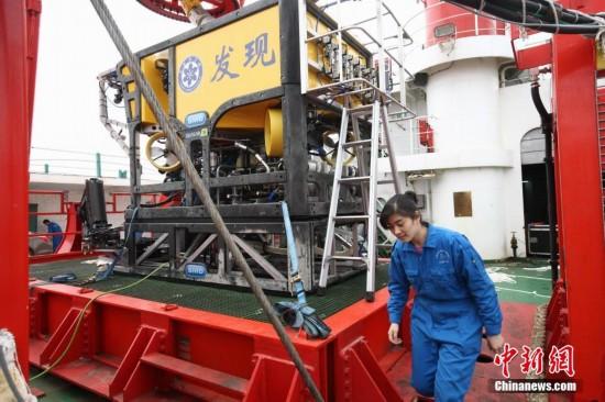 """""""科学""""号从青岛首航 将赶赴冲绳科考"""