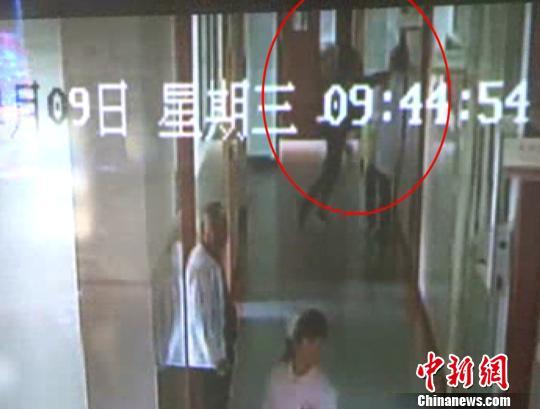 杭州一患者家属殴打医生掐脖子撞头致其受伤
