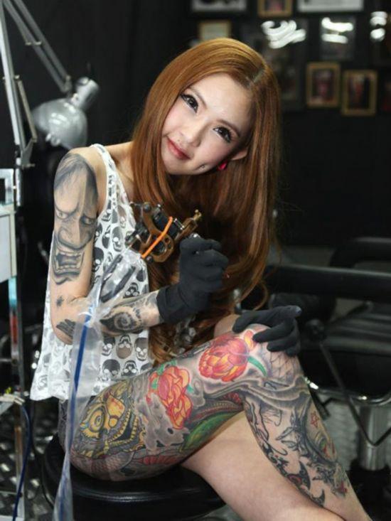 亚洲刺青女神代言网游 借纹身吸引眼球 中国