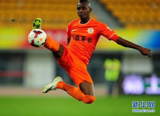 (体育)(2)足球――中超:贵州人和对阵北京国安