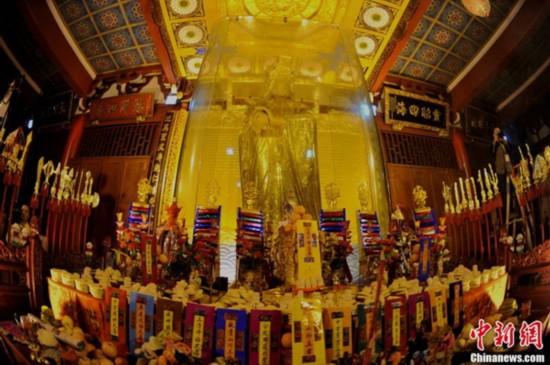 全球最大黄金妈祖金像开光 323公斤纯金打造【3】