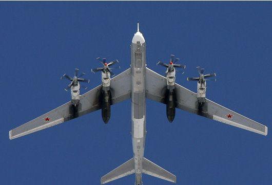 法航客机险些与俄军图95相撞 相距不到百米