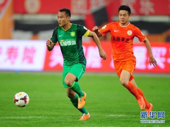 (体育)(4)足球――中超:贵州人和对阵北京国安