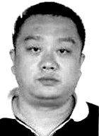4月4日晚,重庆市北临嘉陵江的洪崖洞大酒店,45岁的渝中区公安分局经侦支队支队长周渝被发现吊死在房间内,当地警方称其为自杀。