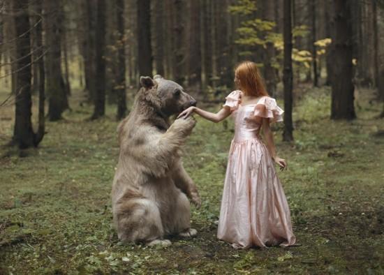 少女与猛兽另类野性摄影:平静安宁令人动容