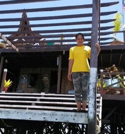 沙巴菲律宾叛军_马警方获遭绑架中国女游客照片 眼泛泪光--财经--人民网