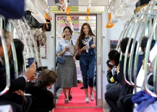电车魔女中字_从日本电车里的这4类人看清整个岛国的真面目
