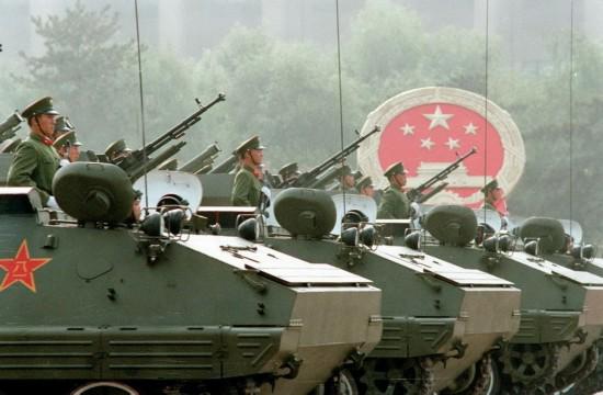 珍贵照片再现1984三军阅兵