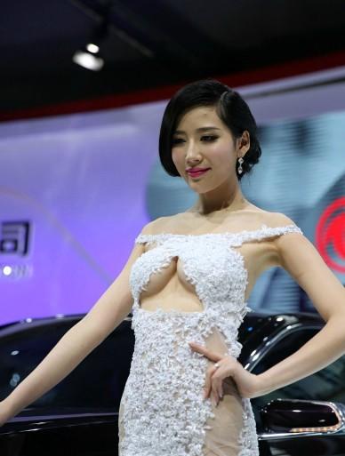 6L2m55 i6YeP_梦妮韩盼盼艾如章泽天樊玲 网络美女美艳度全方位pk ...
