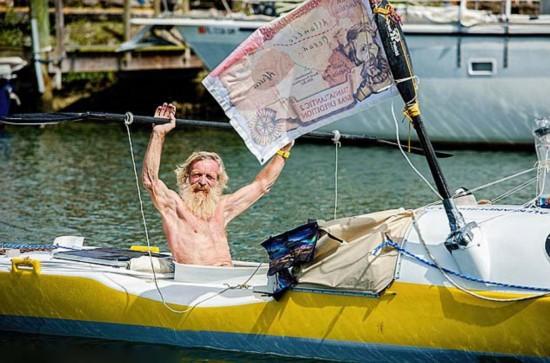 波兰车牌划皮划艇a车牌穿越大西洋摩托车的老翁图片