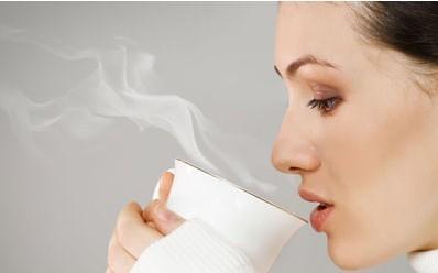 早上喝盐水利健康? 十大健康流言别轻信