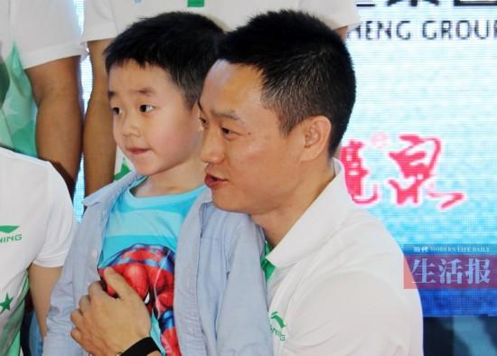 李宁担任45届体操世锦赛形象大使 冠军助威团