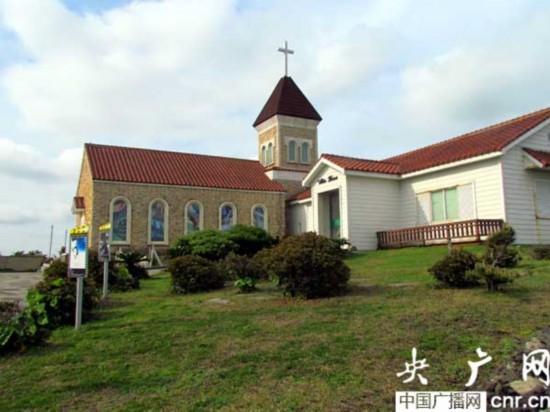 涉地岬景区的欧式建筑教堂景观(摄影:冯赣勇)