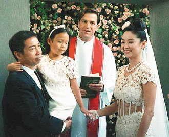 林青霞/五百万港币的结婚钻戒,五百万朵香槟色玫瑰价值七百万港元,为...