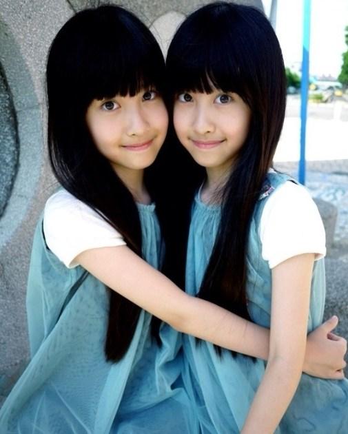 台湾双胞胎姐妹花 邻家有女初长成爱跳舞组图