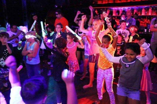 纽约打造儿童夜店供全家集体享乐