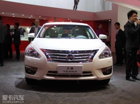 在刚刚开幕的2014北京车展上,东风日产推出了一款天籁·公爵2.5L 图片