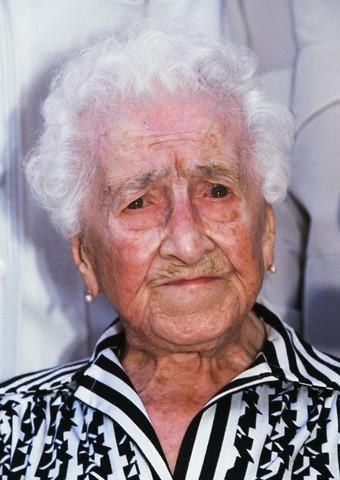 世界最长寿122岁老人117岁时仍抽烟曾吃很多鱼