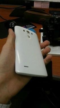 LG G3真机照/配置细节再现 5月27日发布