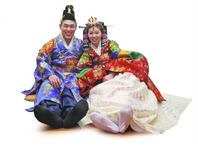 南京小伙娶韩国妹子规矩多 一套礼服值10万