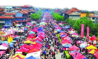"""连云港""""五一""""假日经济爆棚 接待132.9万游客"""
