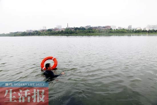 男生下湖捞鞋溺水身亡:别让溺水悲剧跟着夏天来