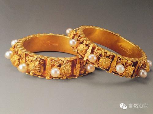 艺术鉴赏:清宫后妃手腕间的雍容