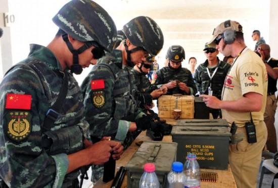 组图:中国武警雪豹突击队在国际特种兵比武中