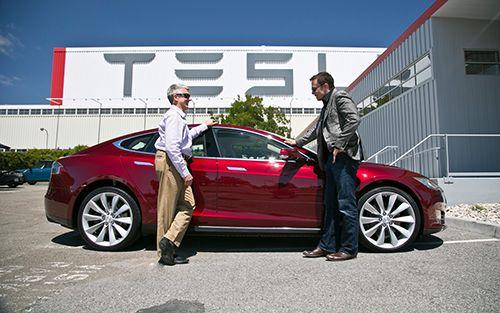 流,红色小车为特斯拉S 型车.-马斯克 车轮上的新概念图片
