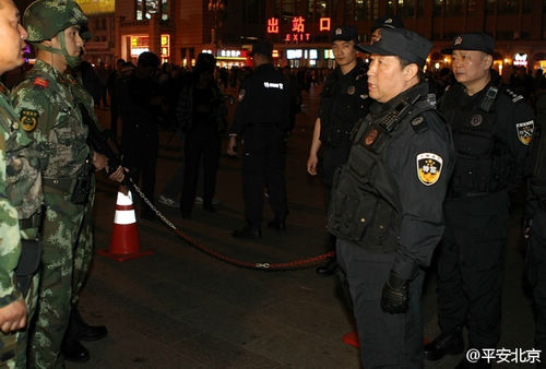 公安部两位副部长夜赴京沪火车站严查安保