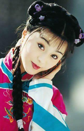 景甜甘薇韩雪刘亦菲黄圣依 盘点后台强硬的女明星