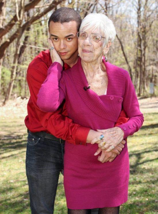 男子31岁交往91岁老太太 跨越60岁的爱恋