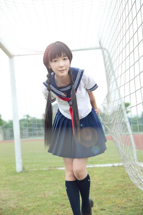 童星变花季少女 徐娇制服自拍照萌到爆表图【