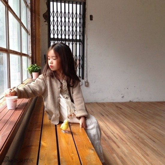 天生就是小美人!韩国粉嫩小萝莉走红(组图)