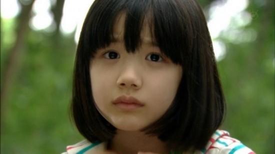 潮娃主宰时尚圈韩国小萝莉不输台湾双胞胎21