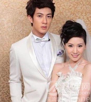 吴尊和老婆林丽莹结婚照-爸爸回来了 四大娇妻素颜比拼 吴尊老婆林丽图片