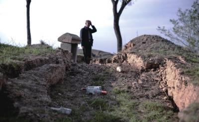 山西煤矿采空区致村民祖坟塌陷 水井干涸难耕种