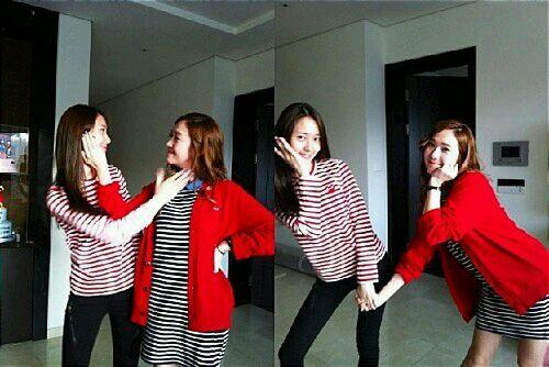 节目图片郑秀妍F(X)郑秀晶郑氏姿势时代秀少女姐妹搞笑拍照有趣的真人图片