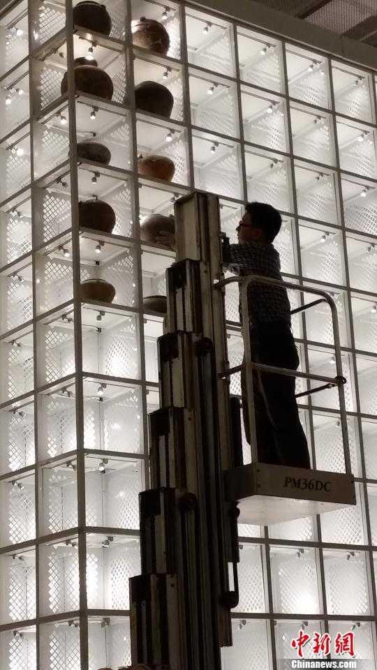 南京博物院全国首次再现神秘文物库房内景