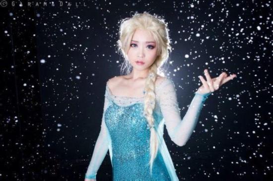 《冰雪奇缘》女主艾莎cos 魔幻冰雪背景【9】